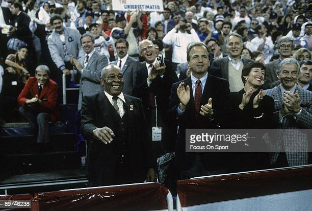 Baseball commissioner Peter Ueberroth clapping his hands before a 1987 World Series between the St Louis Cardinals and the Minnesota Twins October...