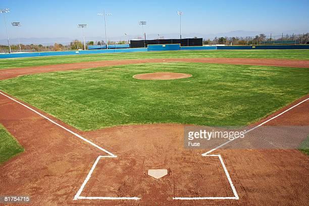 baseball diamond - terrain de baseball photos et images de collection