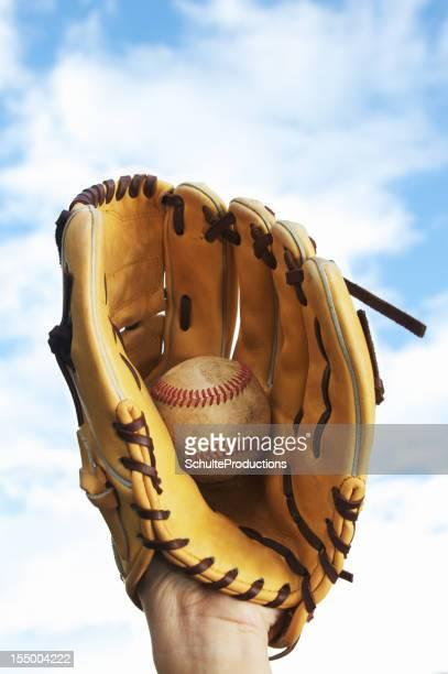 Luva de Beisebol e Bola