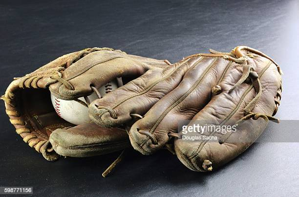 baseball glove sports equipment - baseball glove stock pictures, royalty-free photos & images