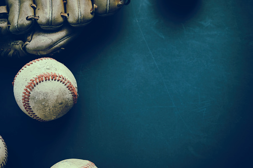 Baseball grunge background with ball and glove. 1132796655