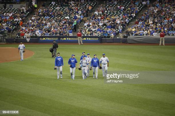 Kansas City Royals pitchers walking in from bullpen game vs Milwaukee Brewers at Miller Park Milwaukee WI CREDIT Jeff Haynes