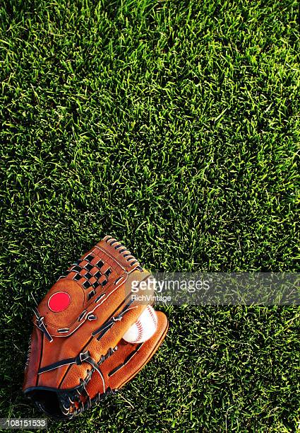 baseball mitt background - baseball glove stock pictures, royalty-free photos & images