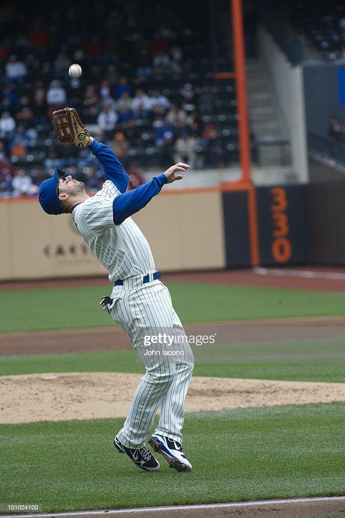 New York Mets David Wright (5) in action, fielding vs San Francisco Giants. Flushing, NY 5/9/2010