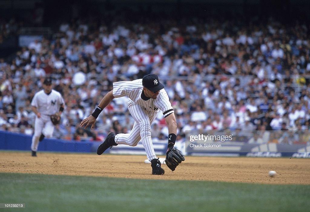 New York Yankees Derek Jeter (2) in action, fielding vs Philadelphia Phillies. Bronx, NY 7/16/2000