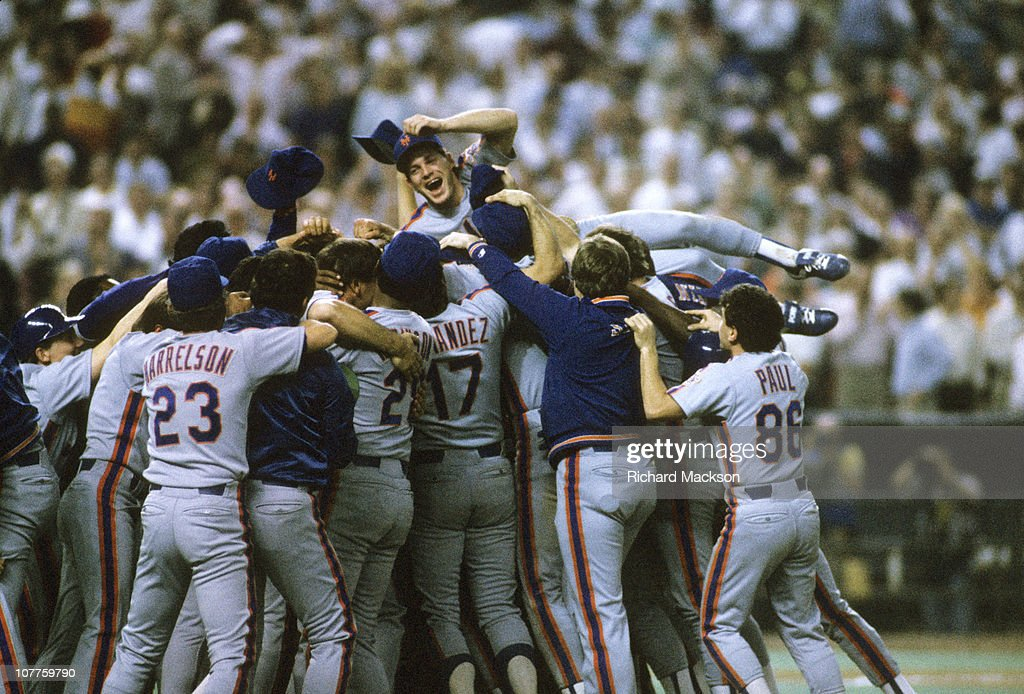 Houston Astros vs New York Mets, 1986 National League Playoffs : News Photo