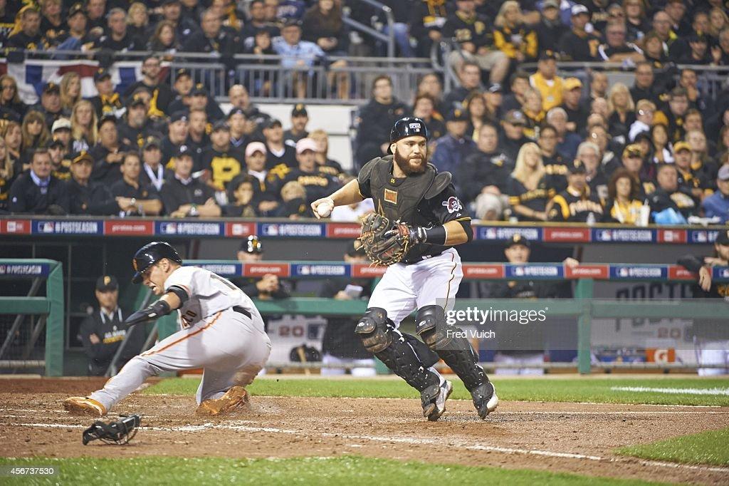 Pittsburgh Pirates vs San Francisco Giants, 2014 National League Wild Card Game : News Photo