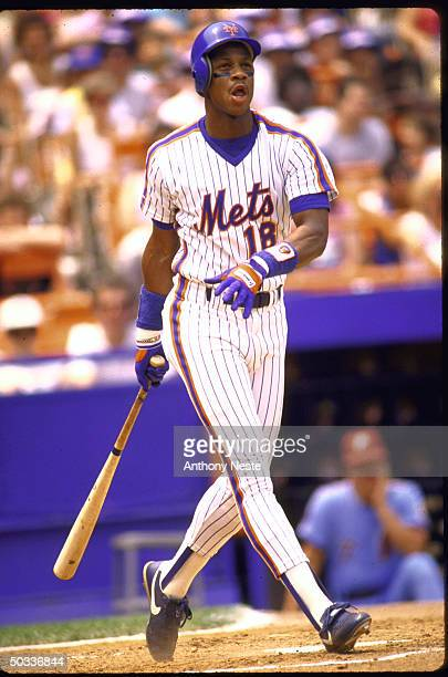 NY Mets Darryl Strawberry in action alone AB vs Phila Phillies