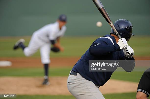 baseball player - pitcher stockfoto's en -beelden