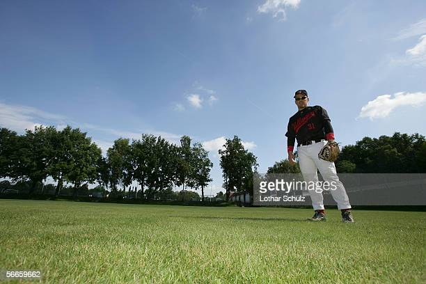 baseball player standing in the outfield - outfield stock pictures, royalty-free photos & images