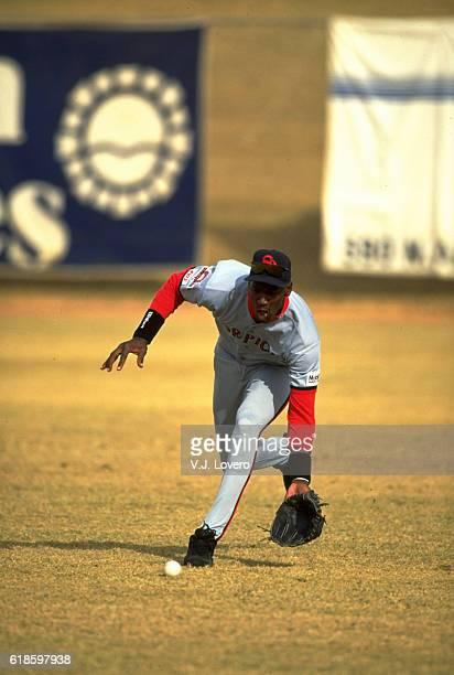 Scottsdale Scorpions Michael Jordan in action, fielding during game at Scottsdale Stadium. Scottsdale, AZ CREDIT: V.J. Lovero