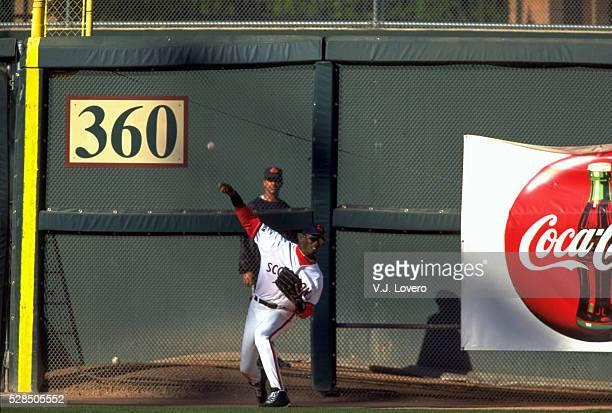 Scottsdale Scorpions Michael Jordan in action, making throw during game at Scottsdale Stadium. Scottsdale, AZ -- CREDIT: V.J. Lovero