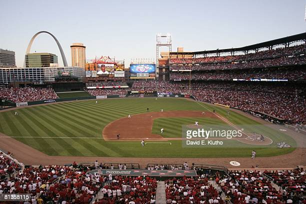 Baseball St Louis Cardinals Chris Carpenter in action throwing out first pitch of season vs New York Mets Jose Reyes during opening day game Scenic...