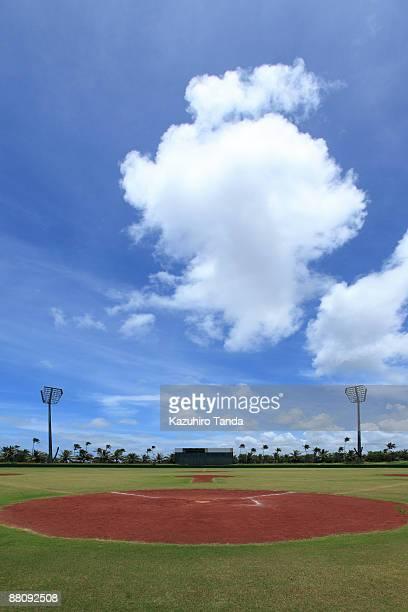 baseball stadium - 野球場 ストックフォトと画像