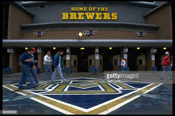 View of Milwaukee Brewers logo outside stadium w HOME OF THE BREWERS in bkrgd