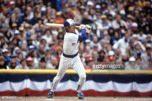 World Series Milwaukee Brewers Robin Yount in action at bat vs St Louis Cardinals at Milwaukee County Stadium Game 5 Milwaukee WO CREDIT John Iacono