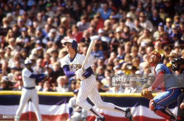 World Series Milwaukee Brewers Robin Yount in action at bat vs St Louis Cardinals at Milwaukee County Stadium Game 4 Milwaukee WI CREDIT Manny Millan