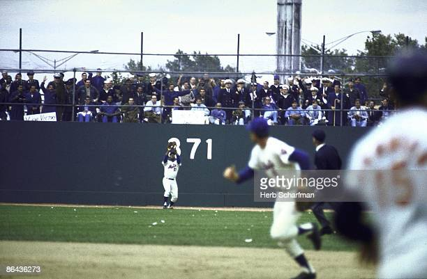 World Series New York Mets Cleon Jones in action fielding vs Baltimore Orioles Jones catching final out of game and series Game 5 Flushing NY CREDIT...