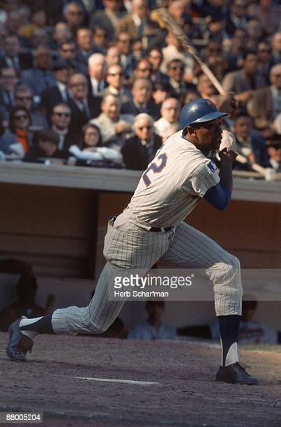 World Series New York Mets Donn Clendenon in action at bat vs Baltimore Orioles Game 4 Flushing NY CREDIT Herb Scharfman