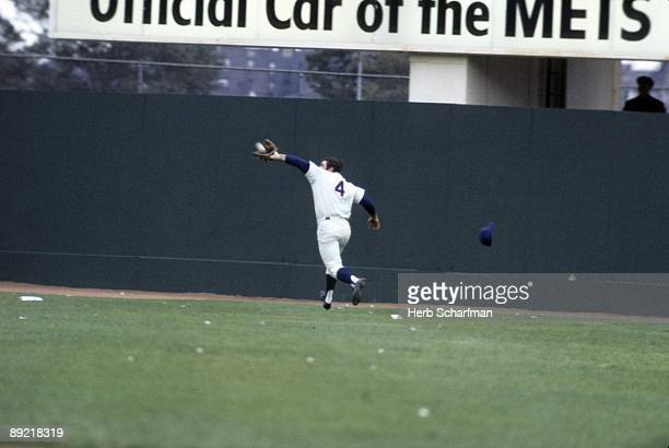 World Series New York Mets Ron Swoboda in action making catch vs Baltimore Orioles Game 3 Flushing NY CREDIT Herb Scharfman