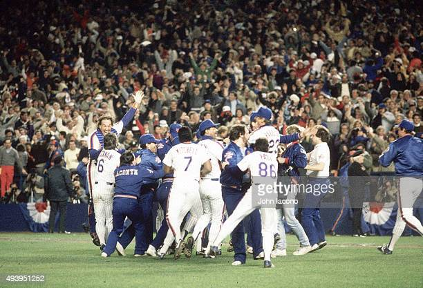 World Series New York Mets victorious on field after winning Game 7 and championship series vs Boston Red Sox at Shea Stadium Flushing NY CREDIT John...