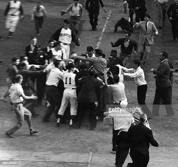 World Series Pittsburgh Pirates fans victorious after Bill Mazeroski hit series winning home run vs New York Yankees Game 7 Pittsburgh PA CREDIT Herb...