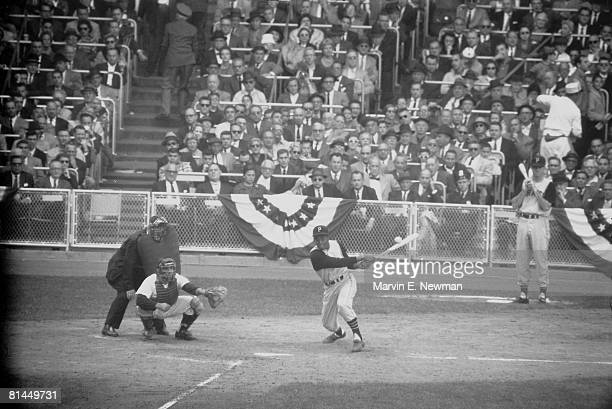 Baseball World Series Pittsburgh Pirates Roberto Clemente in action vs New York Yankees Bronx NY 10/9/1960
