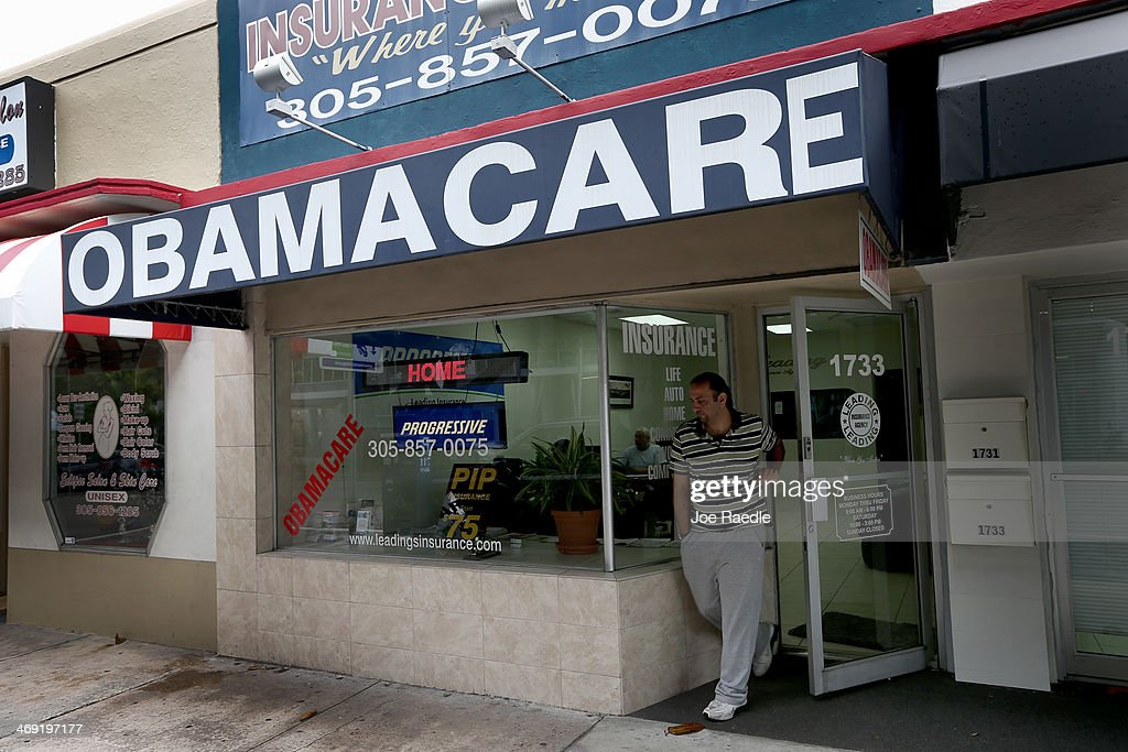 Florida Insurance Company Enrolls People In Obama's Affordable Health Care Plan : News Photo