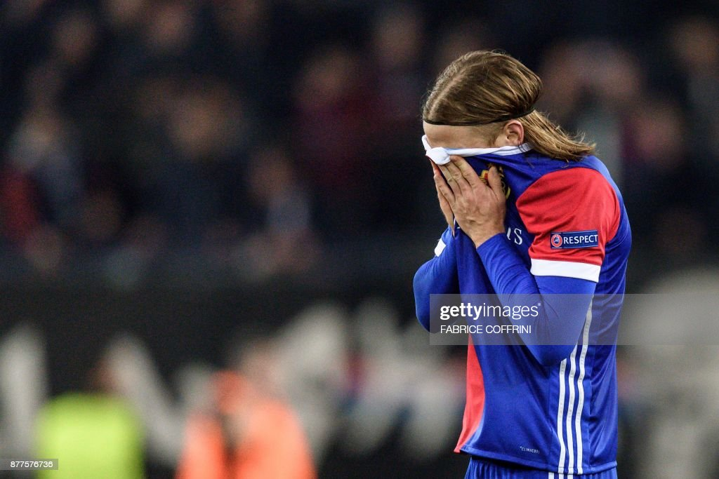Basel's Swiss defender Michael Lang, who scored the only goal, reacts at the end of the UEFA Champions League Group A football match between FC Basel and Manchester United on November 22, 2017 in Basel. / AFP PHOTO / Fabrice COFFRINI