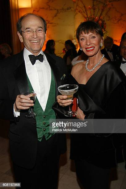 Basha Lewis and David Steinberg attend STEVEN ANGELA KUMBLE'S Wedding Celebration at Metropolitan Club on April 13 2007 in New York City