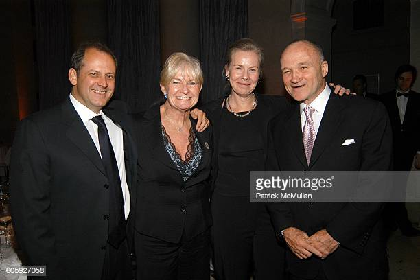 Basil Walters Veronica Kelly Ann Lundquist and Ray Kelly attend VANITY FAIR Tribeca Film Festival Party hosted by Graydon Carter and Robert DeNiro at...
