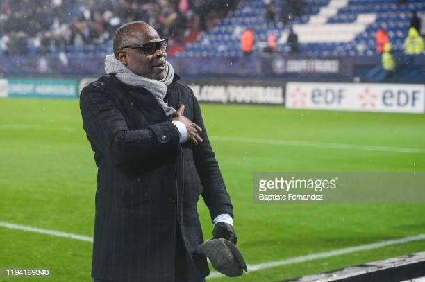 Basile BOLI former player of Marseille reacts with the fans after the French Cup Soccer match between US Granville and Olympique de Marseille at...