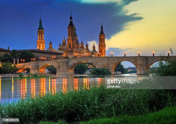 basilica del pilar, sunset in zaragoza - zaragoza province stock pictures, royalty-free photos & images