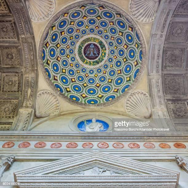 basilica di santa croce, cappella dei pazzi (pazzi chapel) by the architect filippo brunelleschi - chapel stock pictures, royalty-free photos & images