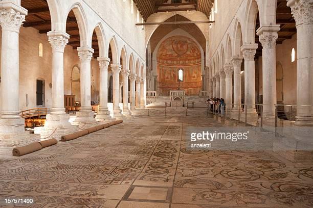 聖堂の aquileia 、ウディネ - トリエステ ストックフォトと画像