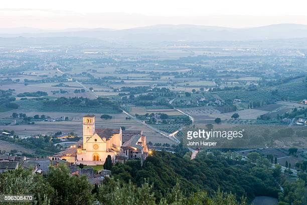 basilica of san francesco in assisi. - perugia stock pictures, royalty-free photos & images