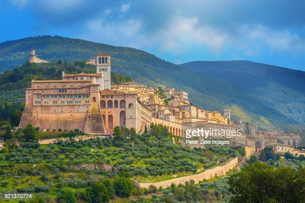 basilica of san francesco in assisi, umbria, italy - umbria stock pictures, royalty-free photos & images