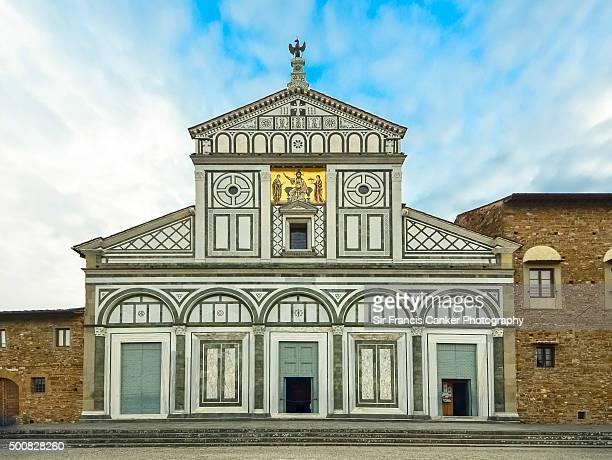 "basilica of ""san miniato al monte"" facade, florence, tuscany - san miniato stock pictures, royalty-free photos & images"