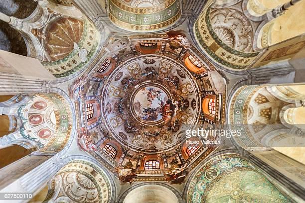 大聖堂サンヴィタール、ラヴェンナ - basilica of san vitale ストックフォトと画像