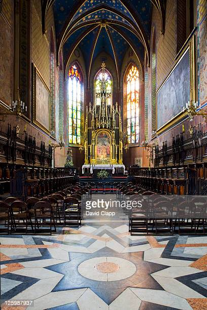 basilica of st francis: 13th century church rebuilt and refurnished after at least four fires in krakow, poland - バシリカ ストックフォトと画像
