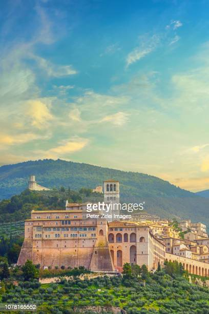 basilica of st. francis of assisi, umbria, italy - umbria stock pictures, royalty-free photos & images