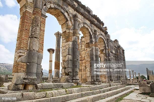 basilica of volubilis - volubilis fotografías e imágenes de stock