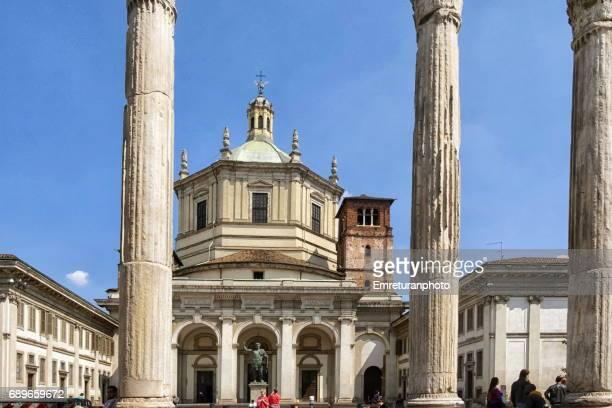 basilica san lorenzo di maggiore behind historic coloumns,milan. - emreturanphoto stock-fotos und bilder
