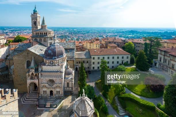 basilica santa maria maggiore, from above, bergamo, province of bergamo, lombardy, italy - bergamo fotografías e imágenes de stock