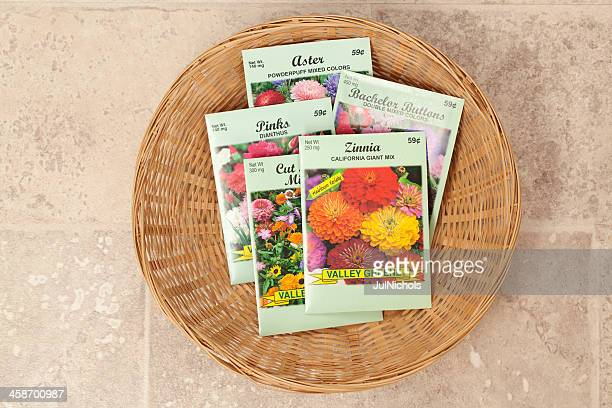 バスケットの花の種パケット
