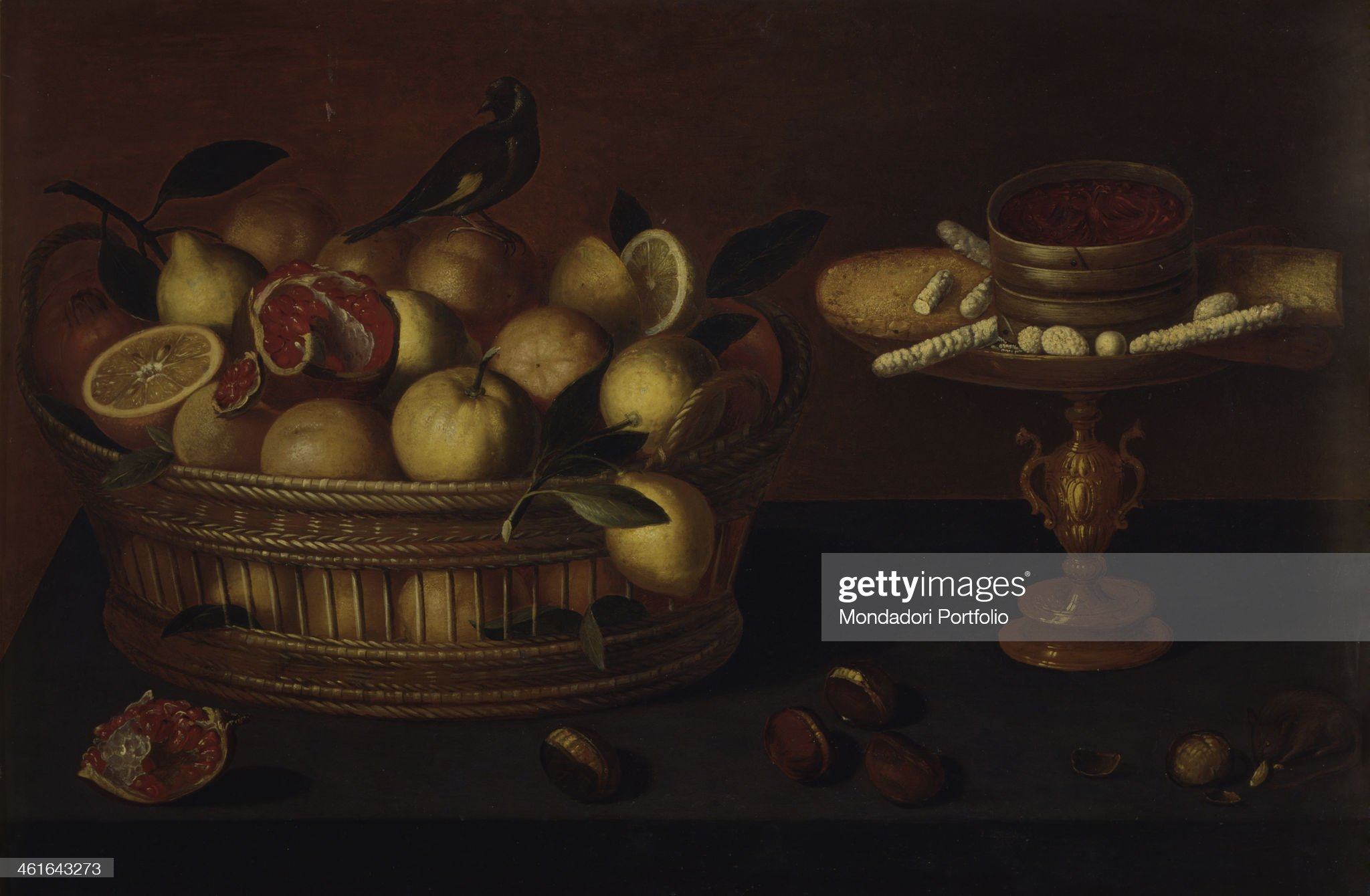 Basket with Fruits and Little Lift with Sweets, by Francesco Codino, 1610 - 1620, 17th Century, oil on board : Foto di attualità
