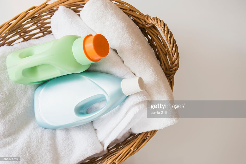 Basket with laundry and detergents : ストックフォト