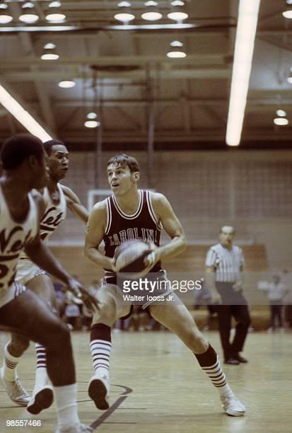 Carolina Cougars Doug Moe in action vs New York Nets during preseason game West Hempstead NY 10/3/1969 CREDIT Walter Iooss Jr