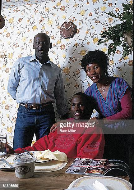 Basketball: Casual portrait of Chicago Bulls Michael Jordan with father James and mother Deloris at home, Wilmington, NC 11/6/1986