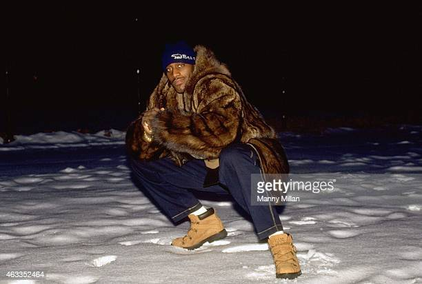 Casual portrait of New York Knicks forward Anthony Mason posing during photo shoot at park in Queens. New York, NY 1/6/1996 CREDIT: Manny Millan